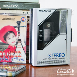 sanyo walkman cassette player